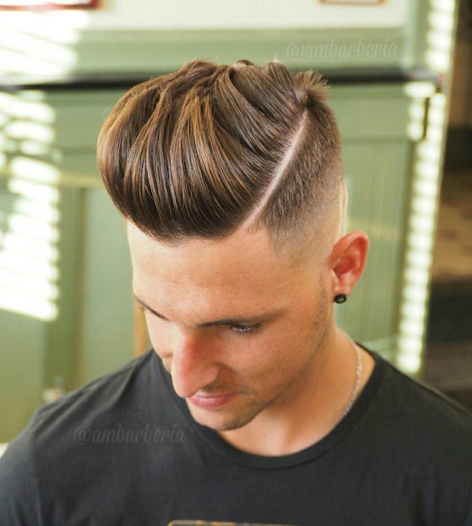 Estilo de peinado hacia atras