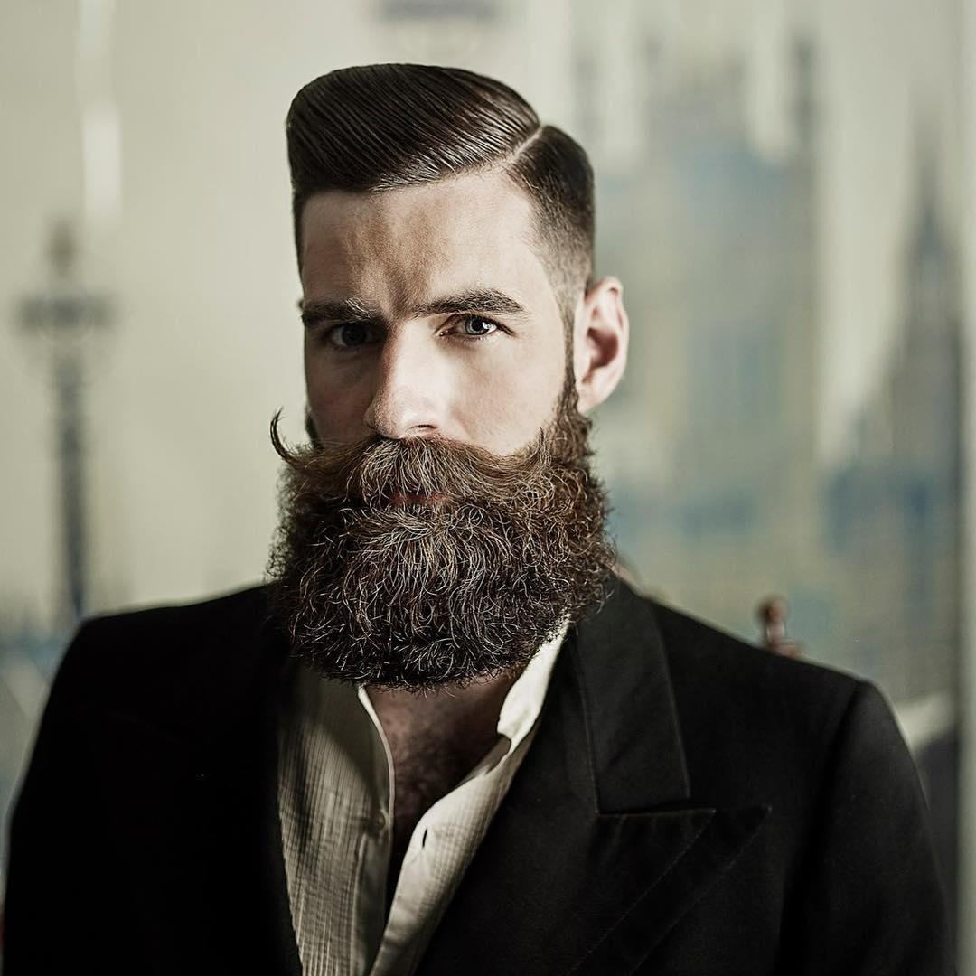 estilos de barba con bigote largos