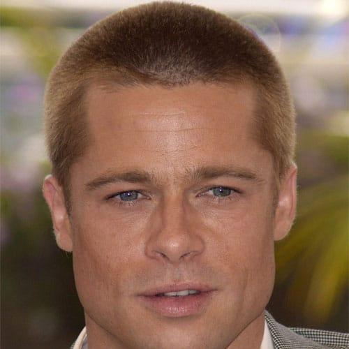 Brad Pitt corte de pelo corto estilo militar