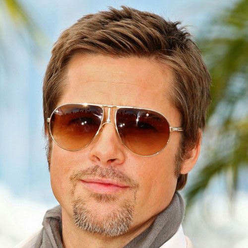 Brad Pitt pelo corto y candado
