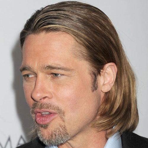 Brad Pitt pelo largo hacia atras