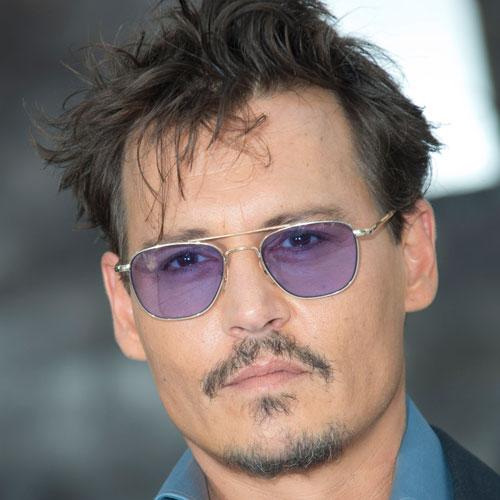 Johnny Depp pelo corto