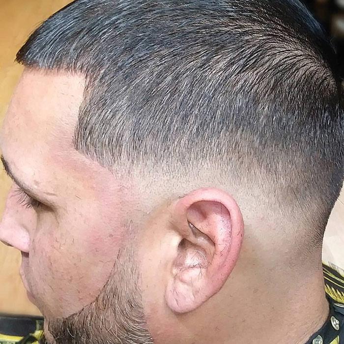barba-corta--con-degradado-y-lineas