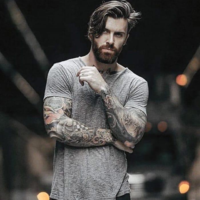 barba-corta-simple-en-hombre-joven-moderno
