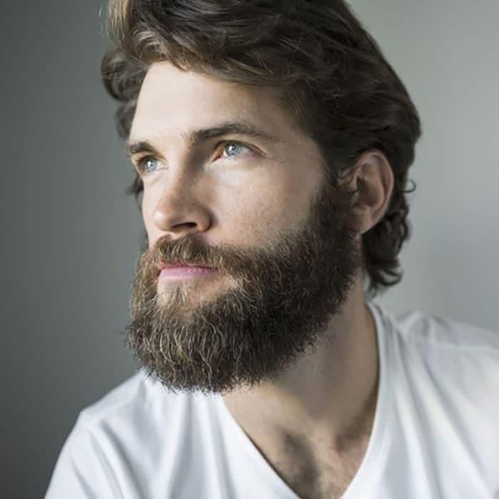 barba en hombre joven estilo hipster