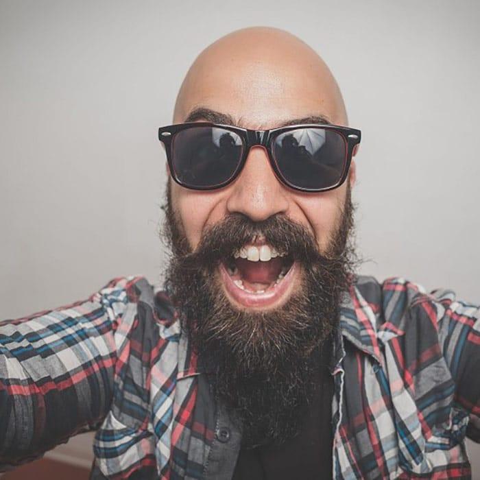 barba hipster calvo