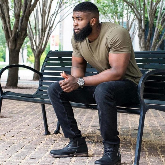 barbas hipster en hombre moreno o negro