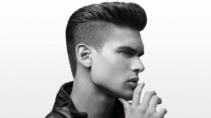 corte de pelo con peinado mohicano o cresta