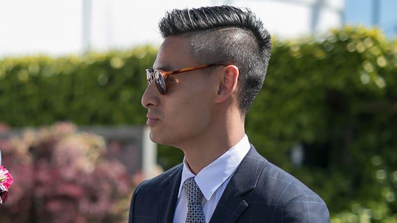 corte de pelo estilo mohicano corto