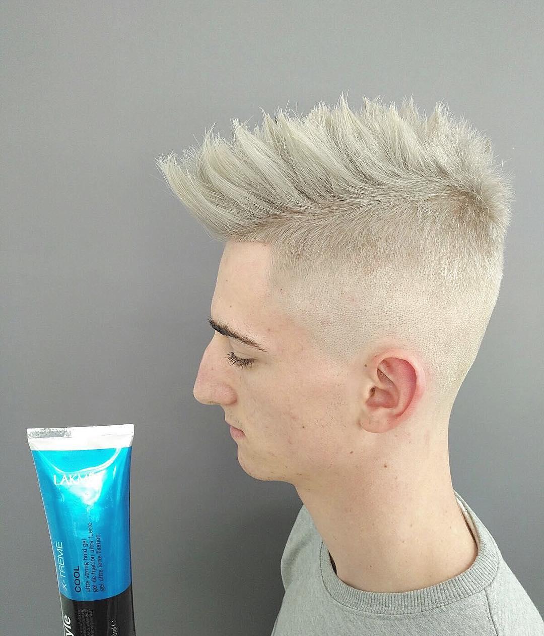 pelo blanco cenizo en hombre