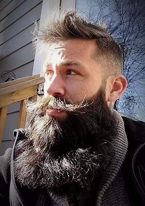 Barba larga o grande + Bigote