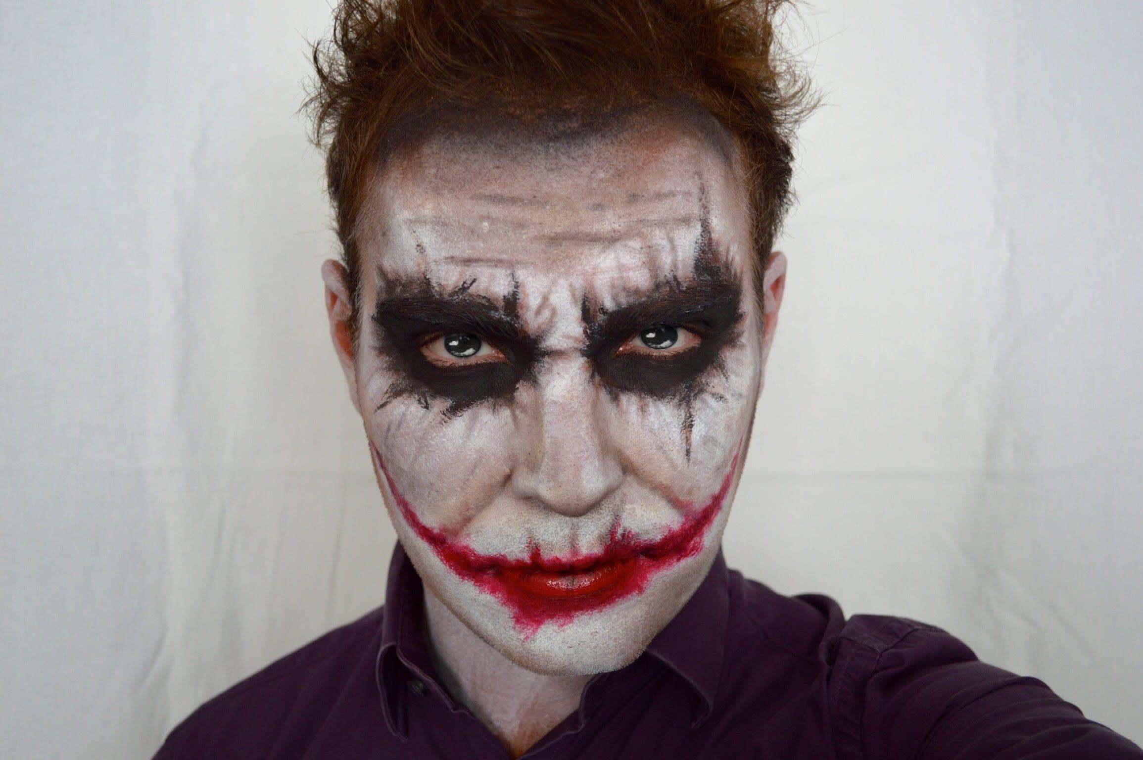 Joker Maquillaje en Hombre para Halloween
