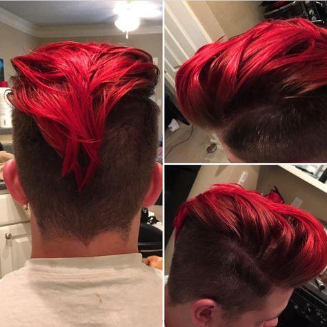 Corte de cabello moikacno de color rojo