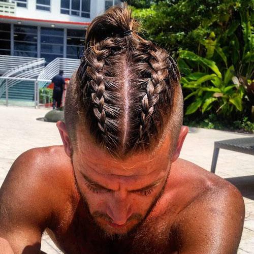 Doble trenza hombre pelo largo arriba corto a los lados