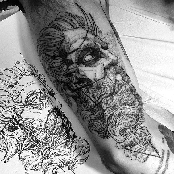 Mejor tatuaje griego de zeus para hombre