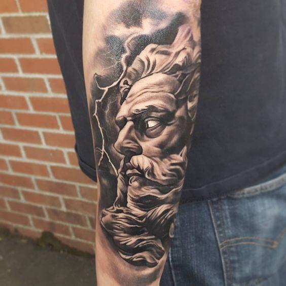 Tatuaje Griego para hombre