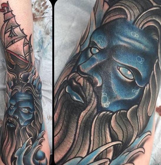 Tatuaje Griego zeus enfadado