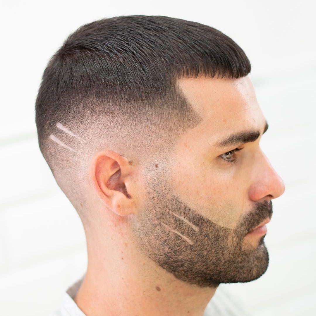 Barba delineada y corta