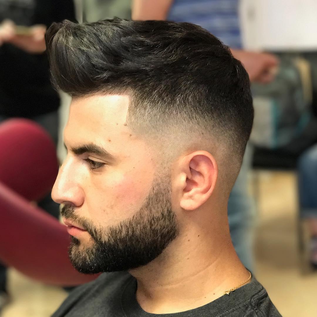 Corte de pelo con barba con degradado ambos