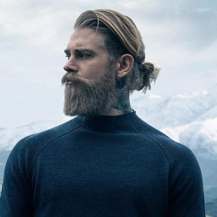 Corte de pelo con barba con pelo lago spizoiky