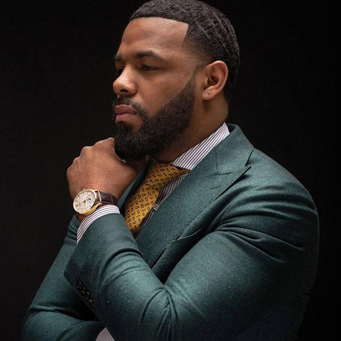 Corte de pelo en hombre negro y barba perfectamente arreglada melthebarber