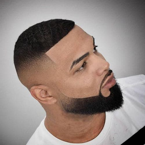 Corte de pelo rapado con degradado y barba