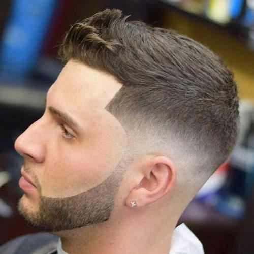 Diseño de barba delineada en hombre joven