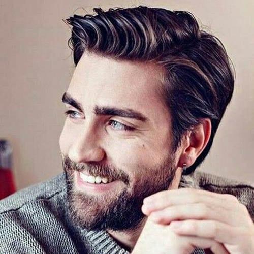 Hombre guapo y bonito con barba